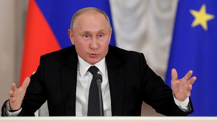 """Putin diz que Skripal é """"escória"""" e """"traidor da pátria"""""""