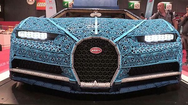 Bugatti из деталей LEGO