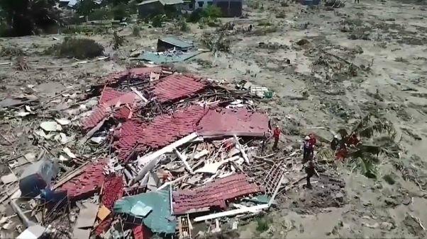 زلزال إندونيسيا: سوء أجهزة الانذار المبكر يتسبب بسقوط آلاف الضحايا