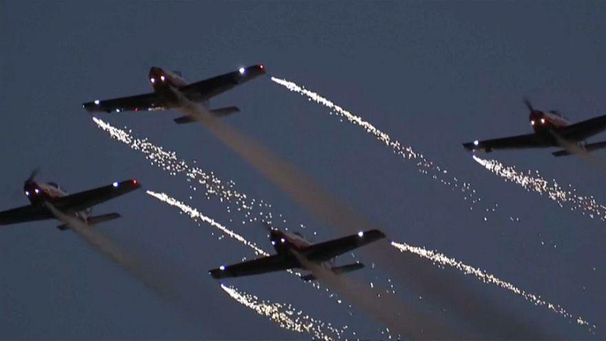 شاهد: أضواء وعروض جوية في في عيد الصين الوطني