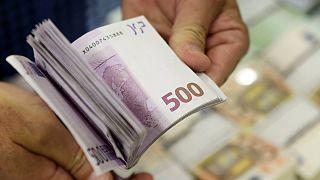 Κύπρος: Υπερχρεωμένα παραμένουν νοικοκυριά και επιχειρήσεις