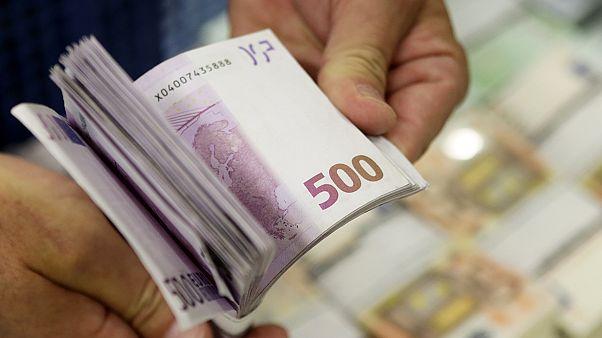 Τραπεζίτης έκλεβε πλούσιους πελάτες και βοηθούσε τους φτωχούς