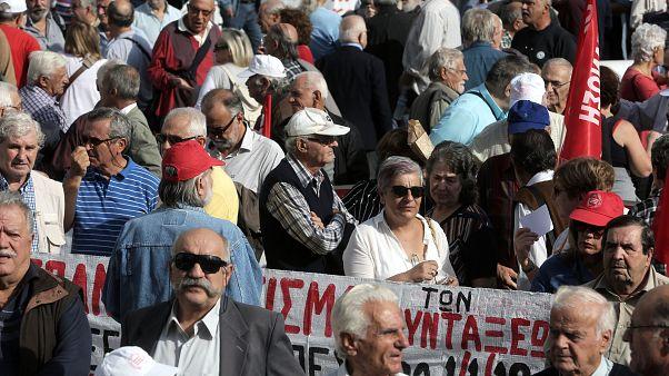 Στους δρόμους οι συνταξιούχοι για να μην γίνουν νέες μειώσεις