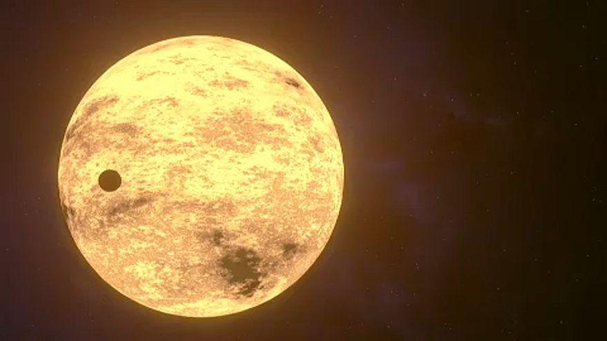 ¿Hay nuevas Lunas más allá de la nuestra?