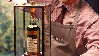 310 millióért kelt el egy üveg whiskey