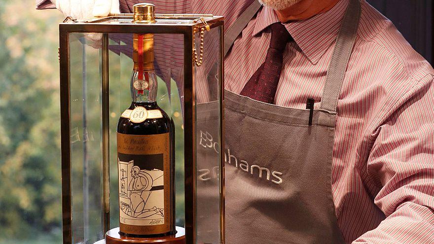 İskoçya'da 1 şişe viski açık artırmayla 1,1 milyon dolara satıldı