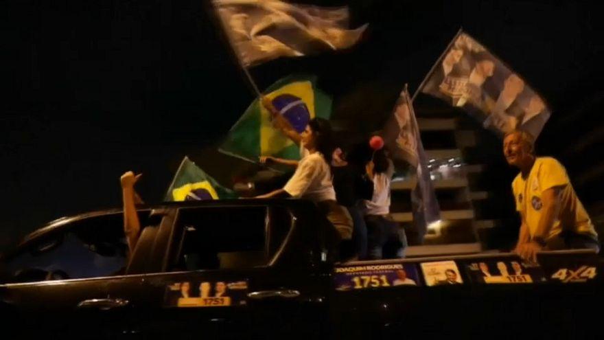 استطلاعات الرأي تتوقع فوز مرشح اليمين المتطرف بالرئاسيات البرازيلية