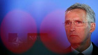 Breves de Bruxelas: reunião da NATO, Brexit e Hungria