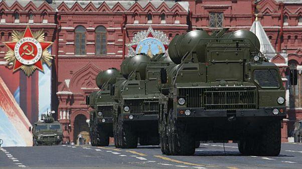 """الولايات المتحدة تتراجع عن تهديدها بـ""""ضرب"""" الصواريخ الروسية"""