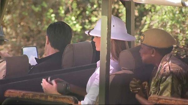 شاهد: بعيدا عن زوجها... ميلانيا ترامب في كينيا مع الفيلة والزرافات وحمار الوحش