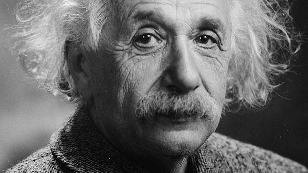 رسالة آينشتاين حول الدين قد تباع بأكثر من مليون دولار