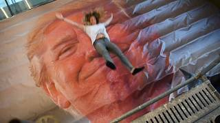 Saltar sobre una imagen de Trump y muchos más... 'No Comment'