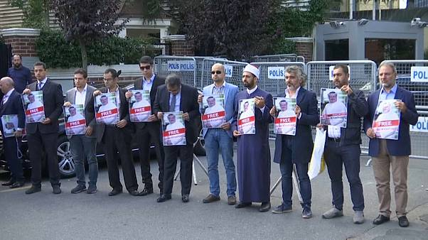 """وقفة تضامنية في إسطنبول مع جمال خاشقجي """"الصوت المفقود"""""""