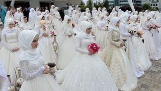 Grosny: 200 Paare geben sich zum 200. Stadtjubiläum das Ja-Wort