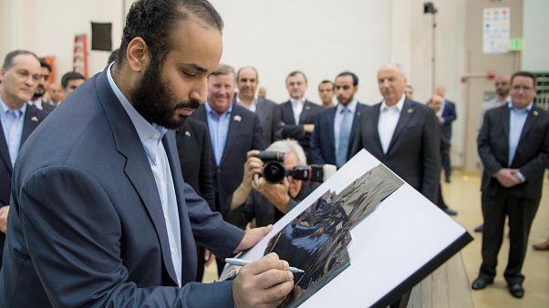 محمد بن سلمان خلال زيارته لشركة الصناعات الحربية الأمريكية لوكهيد مارتن