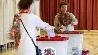 Letonya seçimlerinde Rusya tartışması