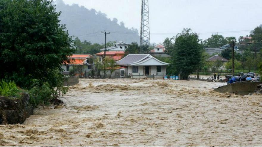وفاة 4 أشخاص بسبب الفيضانات في إيران