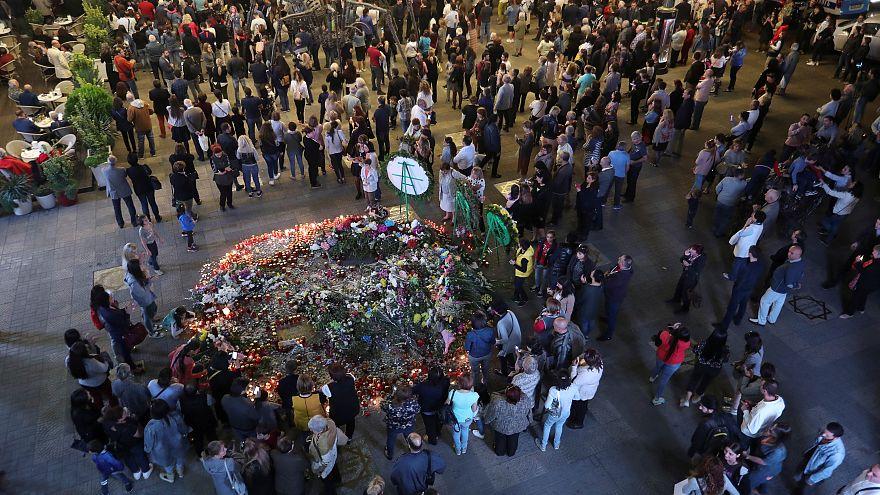 В Ереване и Париже простились с Азнавуром