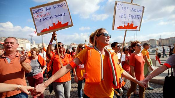 Az Aquarius mellett tüntettek