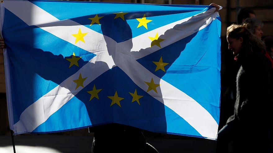 İskoçya Parlamentosu kendi içerisinde Brexit referandumu yapacak