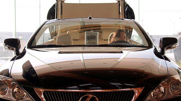 Döviz kurundaki artış lüks otomobil piyasasını vurdu
