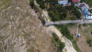 منظر جوي للدمار الناجم عن ظاهرة التسييل في جنوب بالو بإندونيسيا
