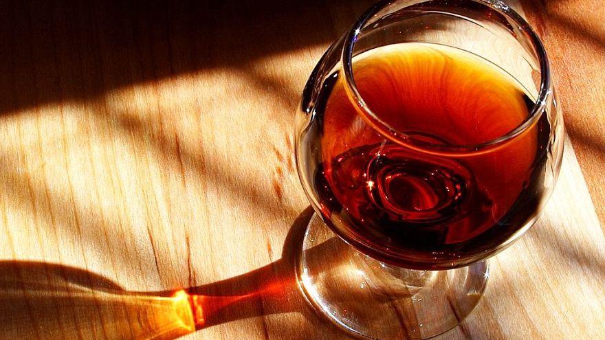 تركوا الغربة وعادوا ليصنعوا النبيذ اللبناني