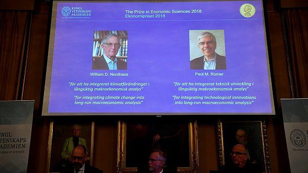منح جائزة نوبل للاقتصاد للأميركيين وليام د. نوردهاوس وبول أم. رومر