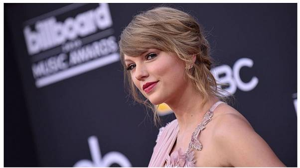 Popstar Taylor Swift breaks political silence, endorses Democrats ahead of US Midterms