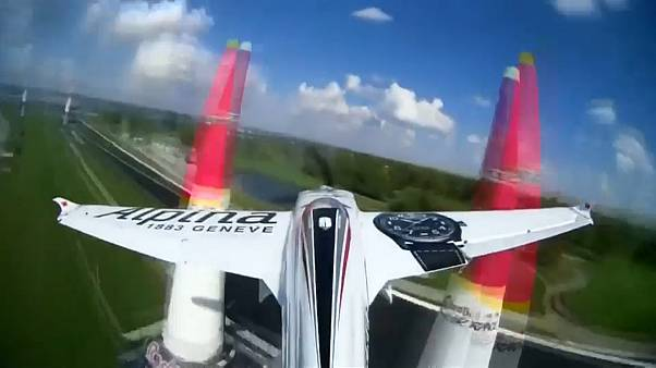 Michael Goulian toma los mandos de la Red Bull Air Race