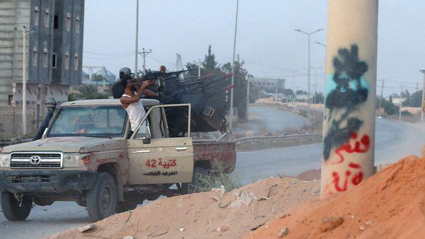 قوات حفتر تلقي القبض على ضابط جيش سابق مطلوب في مصر