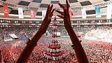 Katalanlar insan kulesi yapıp bağımsızlığa bayrak açtı