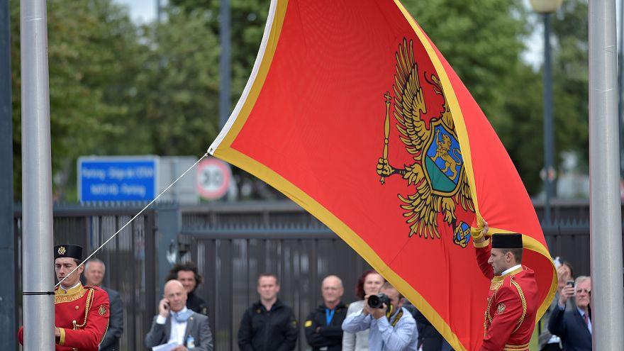 Montenegro megbüntetné azokat, akik nem állnak fel a nemzeti himnusz alatt