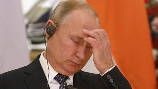 Την κατιούσα έχει πάρει η δημοτικότητα του Βλαντιμίρ Πούτιν