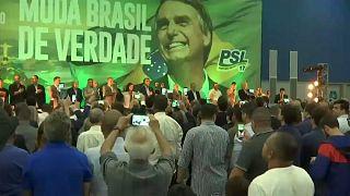 Election présidentielle au Brésil : Bolsonaro largement en tête au 1er tour