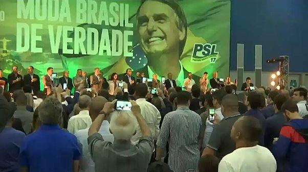 Rechtspopulist Bolsonaro triumphiert in Brasilien