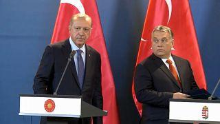 Erdogan bei Orban: Demonstrative Geschlossenheit