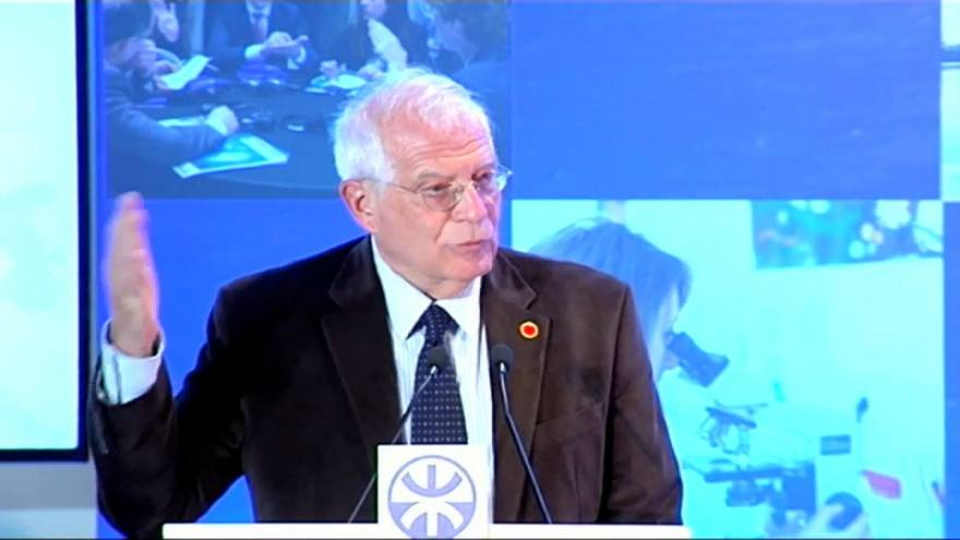 """Josep Borrell, contra los """"chantajes"""" de Quim Torra"""
