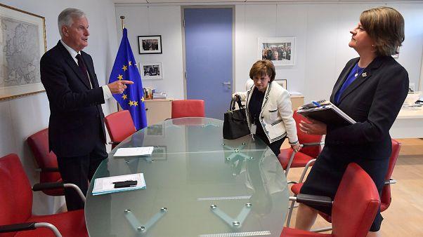 """رئيسة أكبر حزب في إيرلندا الشمالية ترفض مساومات الاتحاد الأوروبي حول """"بريكست"""""""
