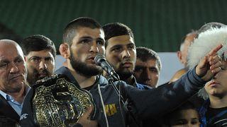 McGregor'u deviren Nurmagomedov memleketi Dağıstan'da kahraman gibi karşılandı