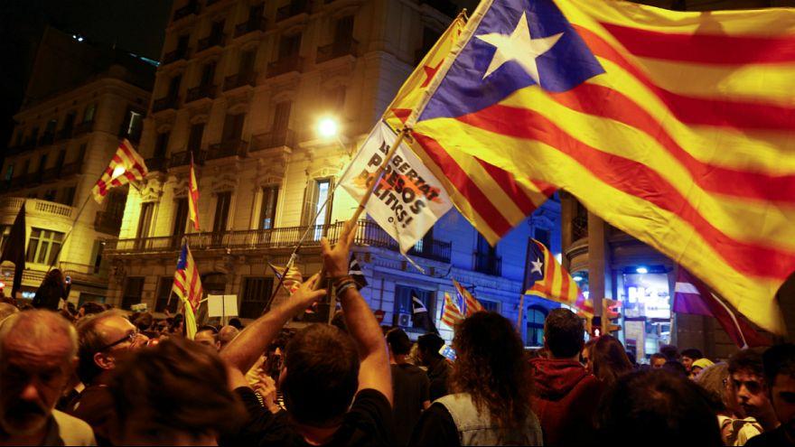 کاتالونیا، شکاف در اردوی استقلال طلبان به کام احزاب مخالف