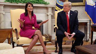 """Démission surprise de Nikki Haley, """"amie"""" de Trump"""