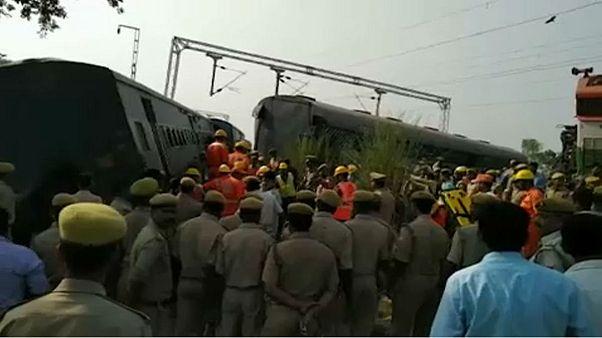 Kisiklott egy vonat Indiában