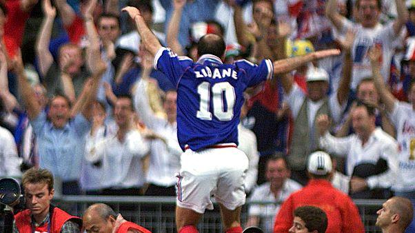 Zidane célébrant son premier but lors de la finale de la Coupe du monde 98