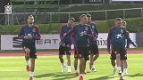 La selección española desafía a los 'dragones rojos' en Cardiff