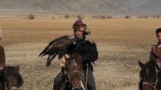 مهرجان صيد النسور في منغوليا.. محاولات الحفاظ على التراث في وجه الحداثة