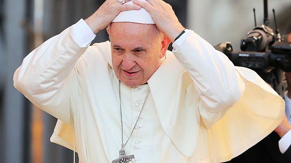 Ferenc pápa a Szent Péter téren