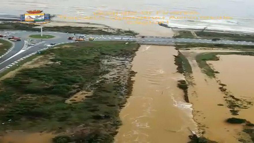 Katasztrofális állapotok Szardínián a vihar után