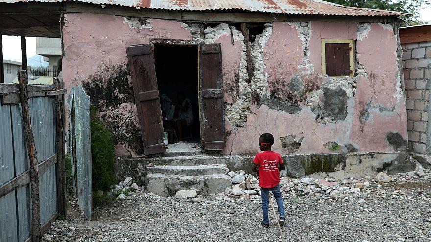 Pasifik Ateş Çemberi'ndeki Endonezya'da 6,4 büyüklüğünde deprem: En az 3 ölü