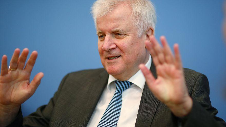El ministro del interior Horst Seehofer pide la apertura de nuevos centros de inmigración
